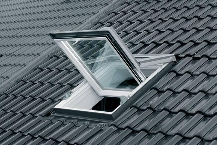 Fenetre de toit FT84 ouverture rotation