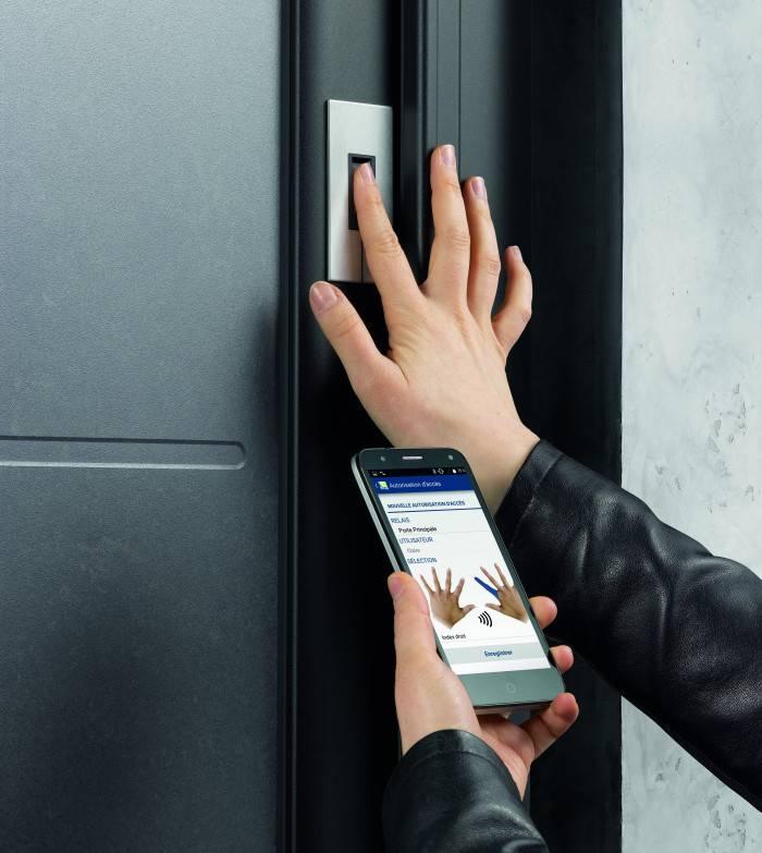 Enregistrement biometrique porte TRYBA