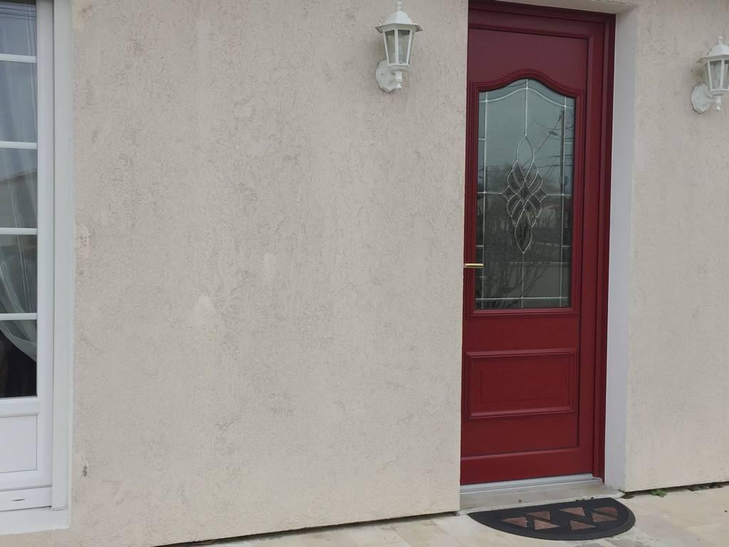 Porte fen tre linars tryba for Porte de garage sectionnelle tryba