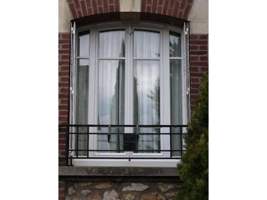 fen tre montsoult isolation phonique thermique tryba val d 39 oise. Black Bedroom Furniture Sets. Home Design Ideas