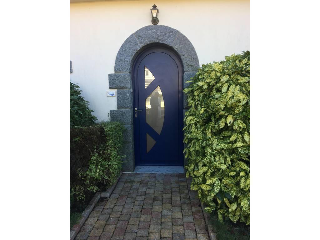 Porte d 39 entr e la chapelle sur erdre tryba cintr e aluminium - Tryba porte d entree aluminium ...