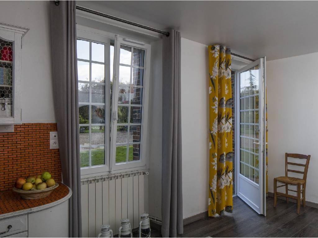 fen tre de toit pouanc 49420 tryba pvc alu et bois. Black Bedroom Furniture Sets. Home Design Ideas