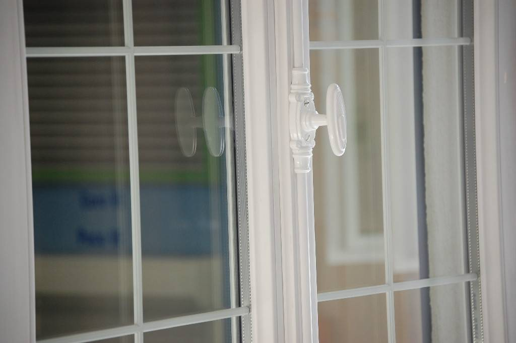 Fenêtres Avec Crémone à Lancienne Landes Tryba