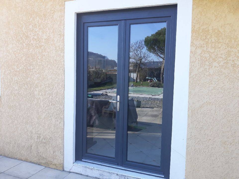 Fenêtres Et Porte Dentrée Alu Gris Anthracite Gammes Ta84 Oc Et