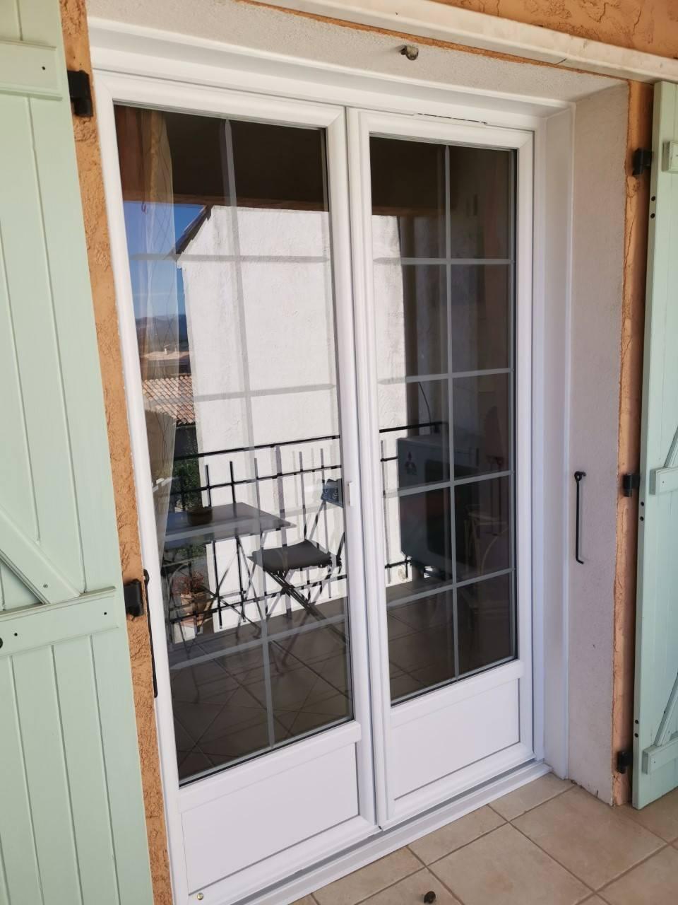 Porte Fenêtre En Pvc Blanc Avec Croisillons Gamme T70 Tryba