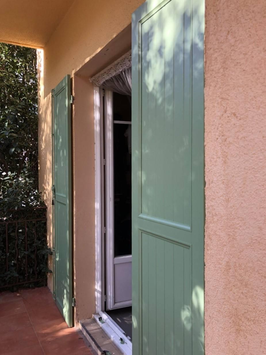 Couleur Volet En Provence pose de volets battants en aluminium vert ral 6021 - tryba