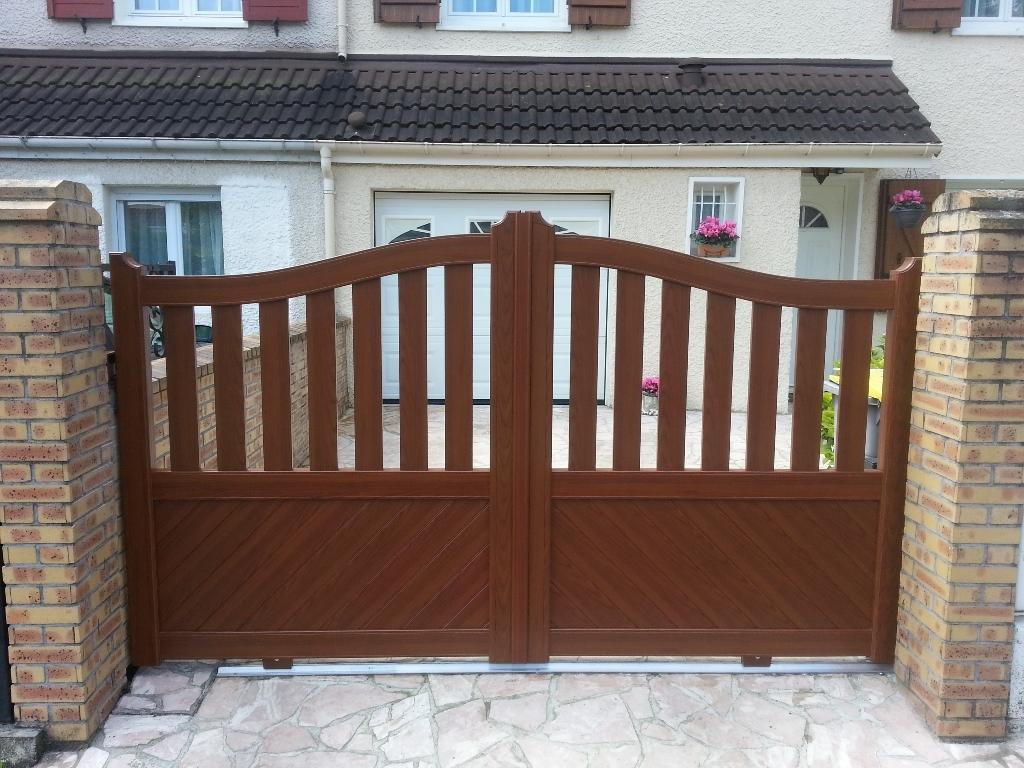 Portail pvc couleur bois portail coulissant hauteur 1 m ... 4fb1557b2106