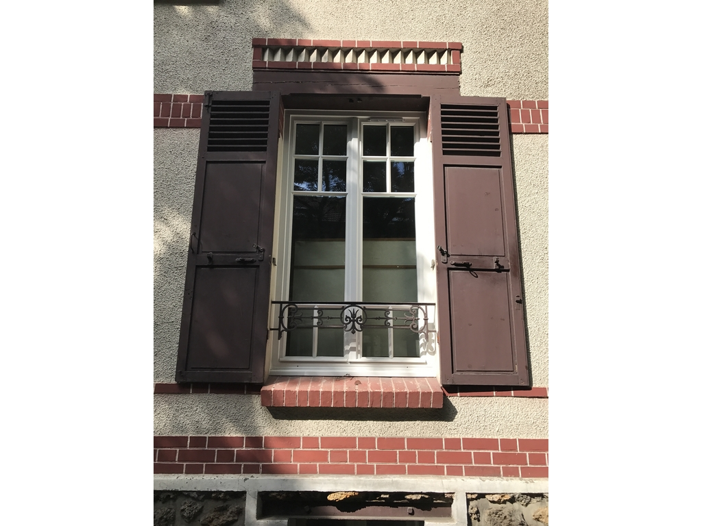 Fen tre vitry sur seine tryba pvc bois for Garage volkswagen vitry sur seine